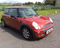Too late – Andrea has chosen this 2006 MINI ONE SEVEN – AUTOMATIC