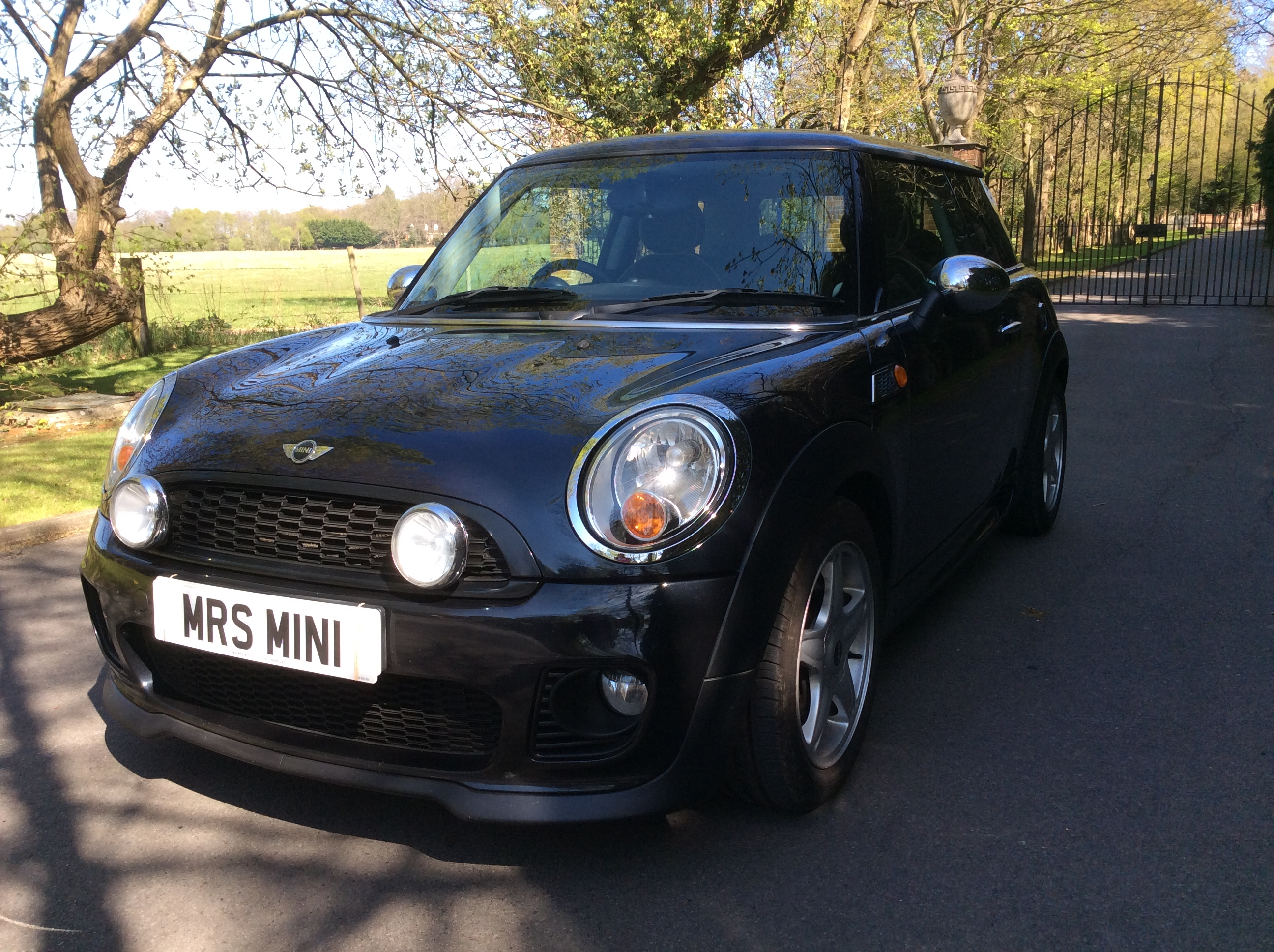 Kelly Has Chosen This 2007 57 Mini Cooper In Black With John Cooper