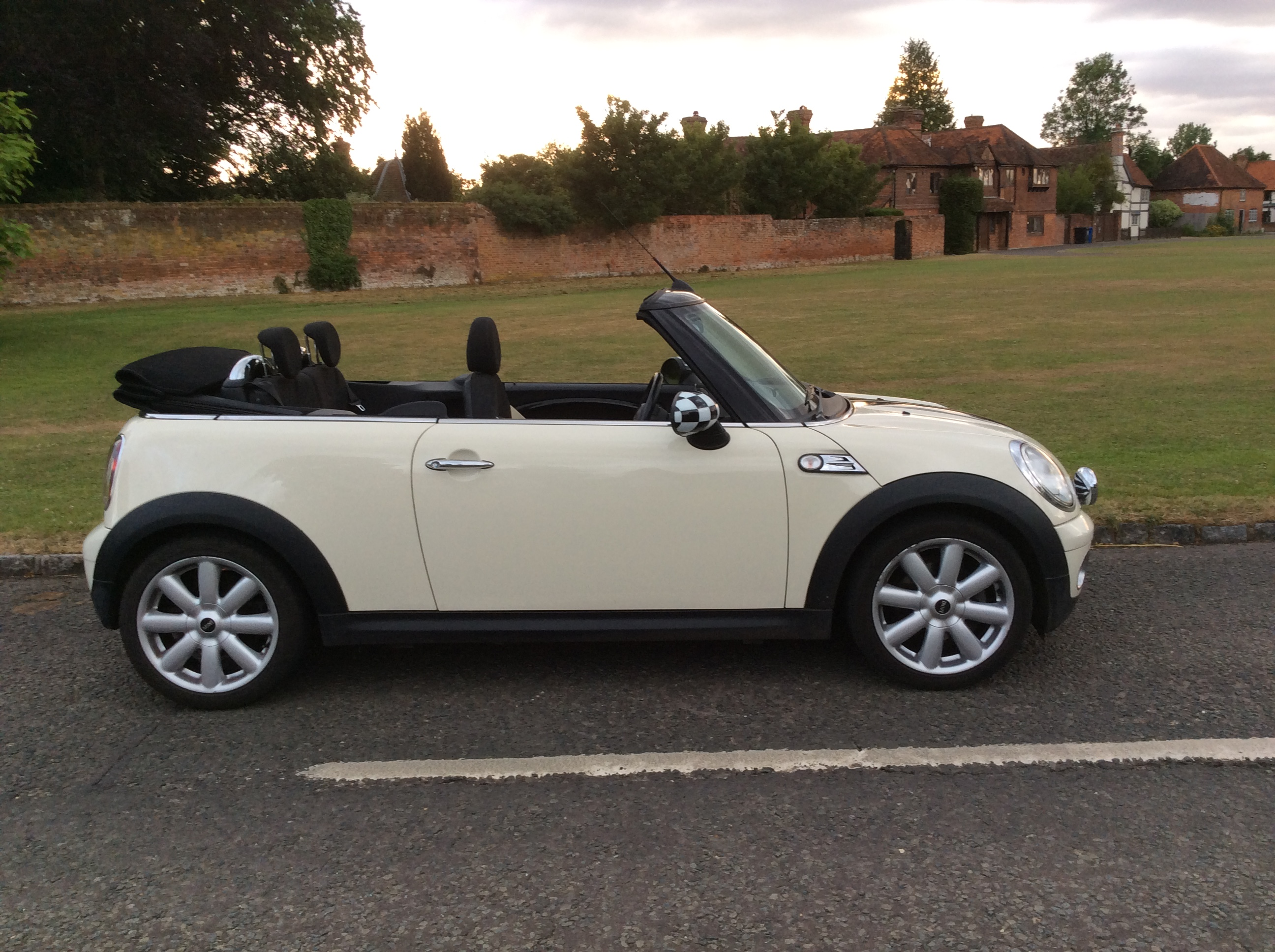 The Very Glamorous Irene Chose This 2009 Mini Cooper Convertible In