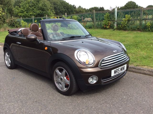 2009 Mini Cooper Convertible In Hot Chocolate With Chili Pack Full