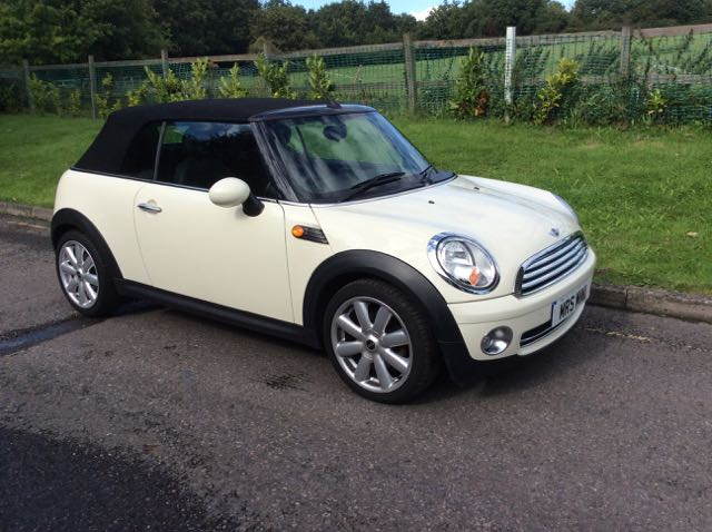Used Mini Cooper Convertible For Sale >> 2009 MINI Cooper Convertible in Pepper White with Full Leather - Mrs MINI - Used MINI Cars for Sale
