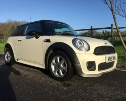 2009 MINI Cooper in Pepper White with John Cooper Works Bodykit & High Spec