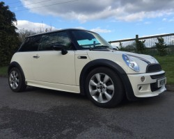 Vicky has chosen this as her Birthday pressie from her loved ones – 2006 MINI Cooper Chili Pack in Pepper White with JCW Bodykit
