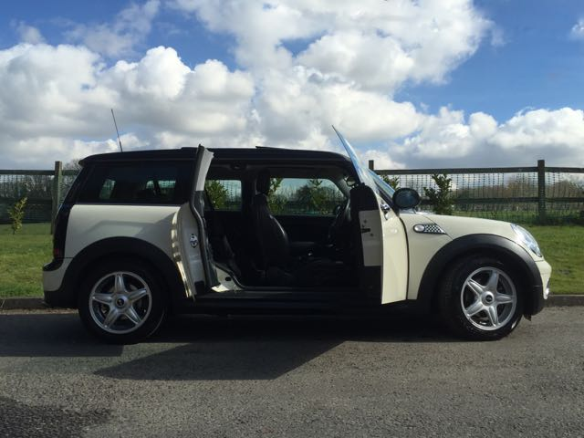 eleanor chose this 2007 57 mini cooper clubman with. Black Bedroom Furniture Sets. Home Design Ideas