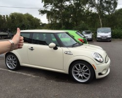 Rebecca has chosen this 2010 MINI Cooper Chili Pack in Pepper White with Half White Leather Bodykit & Bluetooth