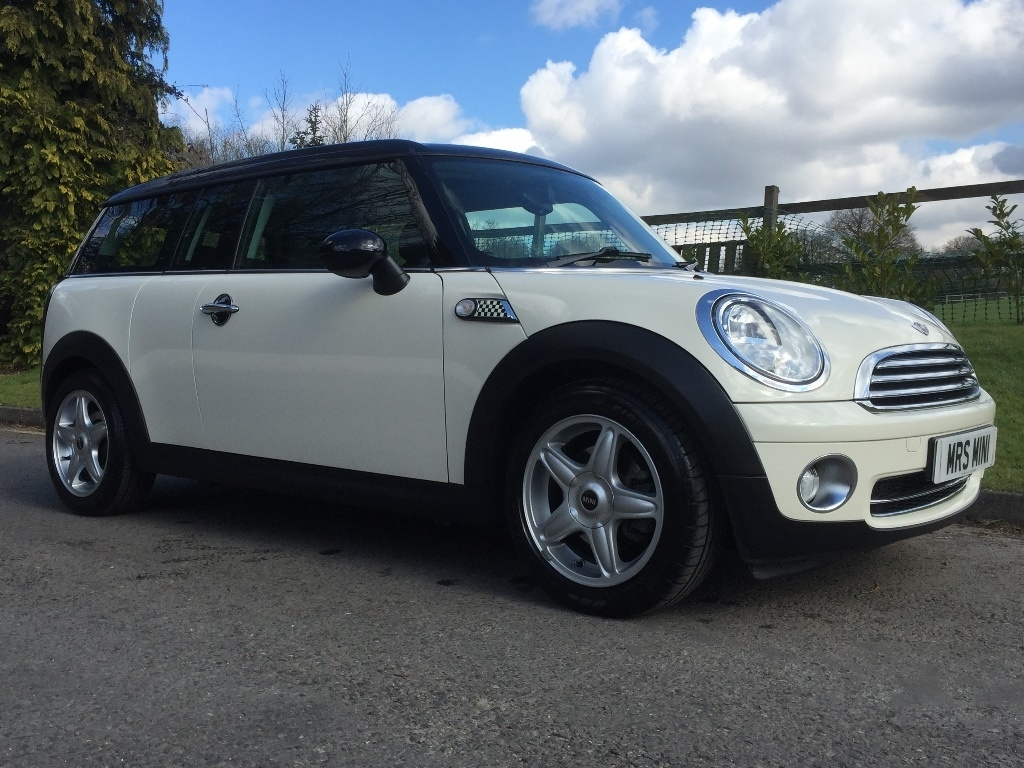 paula mark chose this 2008 mini cooper clubman 1 6. Black Bedroom Furniture Sets. Home Design Ideas