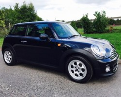 Stuart has chosen this 2012 / 62 MINI One In Midnight Black with Pepper Pack & Full MINI Service History
