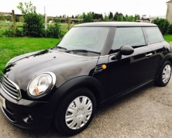 2013 MINI First in Black – Just 1 Lady Owner from New