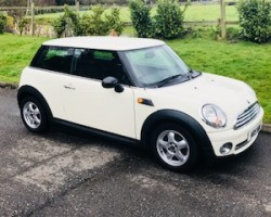 Mandy has chosen this 2008 MINI One 1.4 In Pepper White – Ideal First MINI