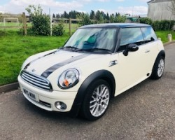 One Lucky lady has this fantastic 21st Pressie coming her way!  2009 / 59 MINI Cooper Chili Pack with Very Low Miles & John Cooper Works Alloy Wheels