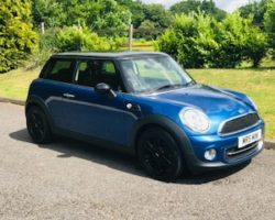 2012/62 MINI Cooper in Lightening Blue with CHILI Pack & Low Miles