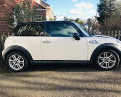 Tracy chose this very pretty 2010 / 60 Mini Cooper Automatic With Chili Pack & High Spec