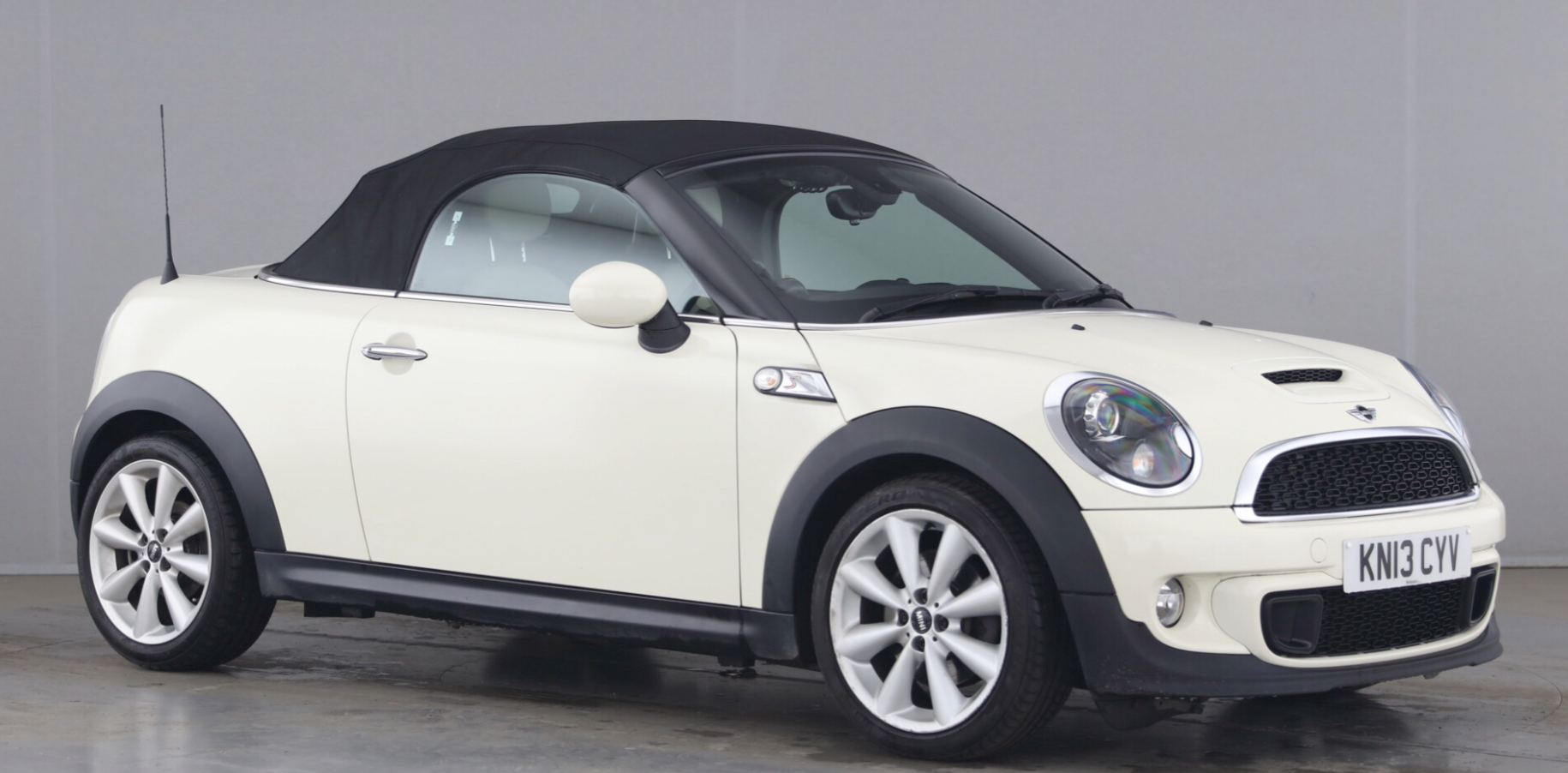 2013 Mini Cooper S Roadster Automatic with HUGE SPEC – Navigation, Cream Leather Sports Seats, Comfort Access, CHILI & Media Pack & More