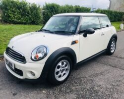 2013 / 62 MINI One in Pepper White
