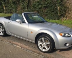 Tom chose this 2007 / 57 Mazda Mk3 Silver Service History.