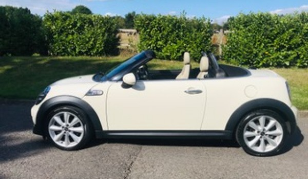 Deposit taken on this 2013 Mini Cooper S Roadster Automatic with HUGE SPEC – Navigation, Cream Leather Sports Seats, Comfort Access, CHILI & Media Pack & More