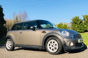 2012 MINI One Automatic In Velvet Silver with Low Miles