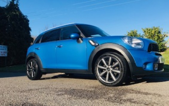 2013 MINI Cooper S Countryman in True Blue with Great Spec
