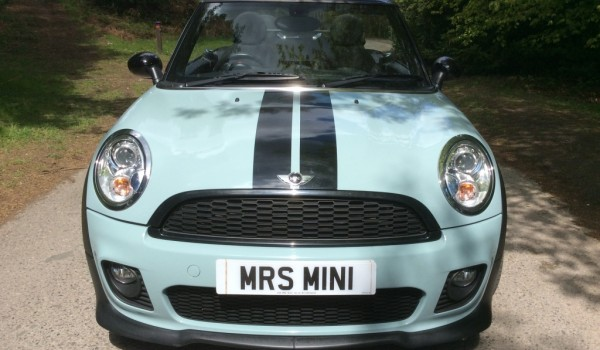 Duncan (after the lead Singer From Blue) came back to us & has gone again to Janet and her partner… He's a 2011 Ice Blue MINI One Convertible with HUGE SPEC including Blu Teeth !!