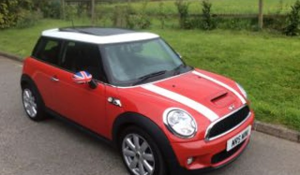 James Chose This 2009 59 Mini Cooper S With Chilli Pack Electric