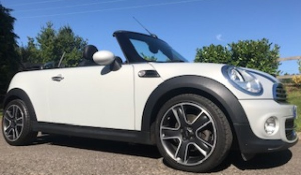 2015 MINI Cooper Convertible with Big Spec and in Great Condition too with Low Miles