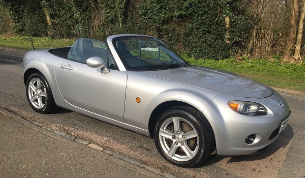 Tom chose this 2007 / 57 Mazda Mk3 Silver Service History.