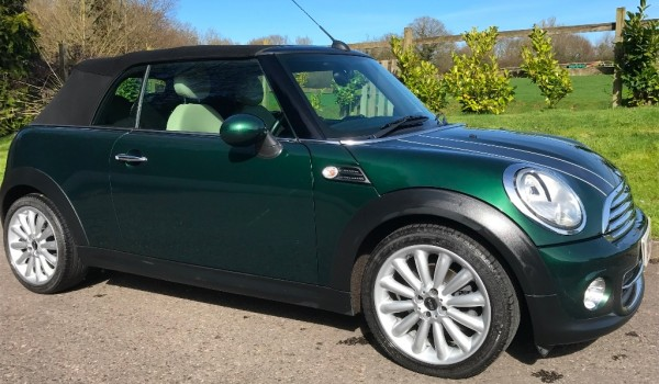 2011 MINI Cooper Convertible 1.6 Racing Green Full MINI Service History & Chili Pack
