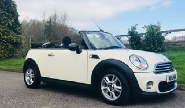 Alicia has chosen this 2006 / 56 MINI One Convertible with Unbelievably Low Miles for her Age