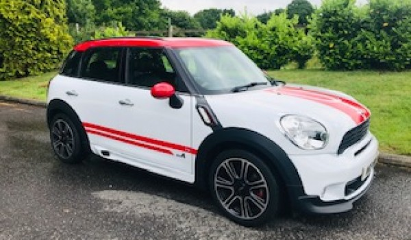 2013/63 MINI COUNTRYMAN JOHN COOPER WORKS – A Family Car with Speed, LOW MILES & Toys WARRANTY & FINANCE AVAILABLE TOO!