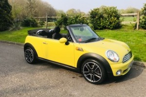 2009 / 59 MINI Cooper Convertible in Interchange Yellow with Service History & Low Miles