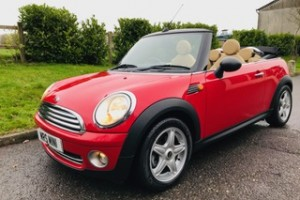 2010 MINI One Convertible in Chili Red with FULL CREAM LEATHER SPORTS SEATS & Low Miles just 35K