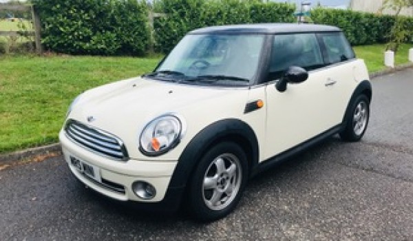 2010 Mini Cooper In Pepper White with Pepper Pack & Low Miles