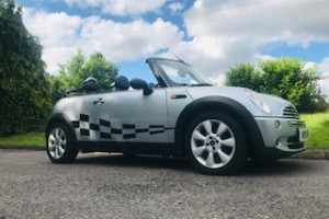 2004/54 MINI One Convertible in Pure Silver with Half Leather Sports Seats in GREAT CONDITION FOR HER AGE