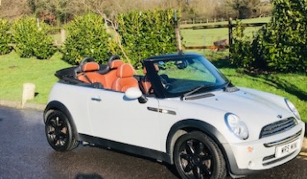 2008 Limited Edition MINI Cooper Convertible SIDEWALK in White Silver (Rare Colour) Full Service History & STUNNING