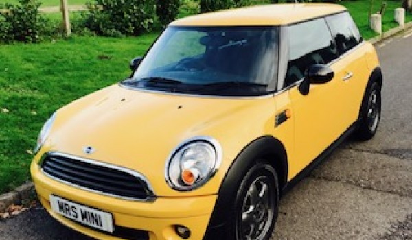 2007 / 57 MINI One in Mellow Yellow with Low Miles & Just Serviced