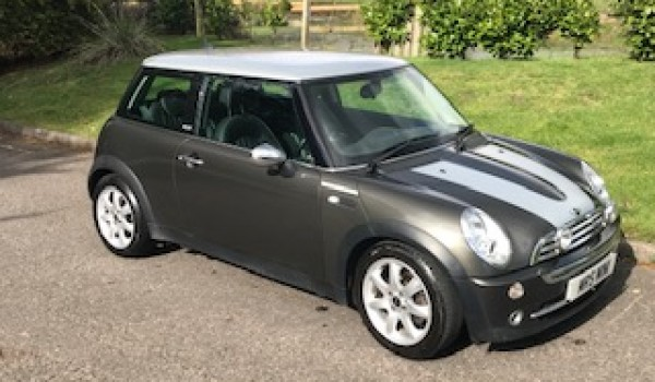 MICHELLE & PHIL Chose this 2006 Limited Edition Park Lane Mini Cooper – with Sunroof
