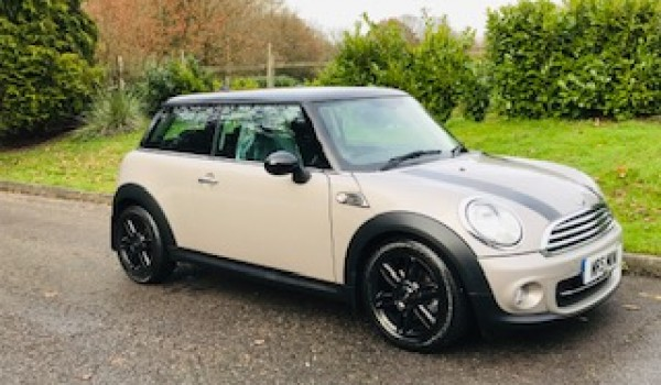 2013 Mini Cooper Baker Street Automatic with Full History & Low Miles