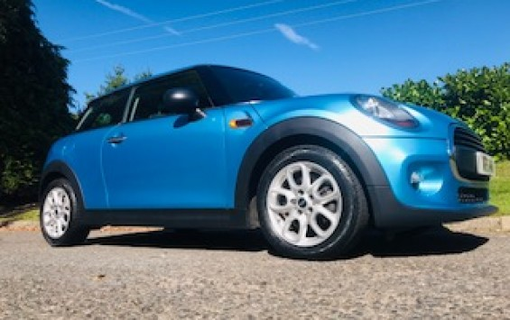 2015 MINI Hatch 1.2 One Hatchback 3dr Petrol in Electric Blue with Great Spec