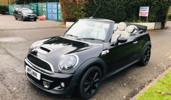 What a lovely Christmas Present this MINI will make!    Off to Cornwall for her….2013 Mini Cooper S Convertible in Black with White Full Leather Interior