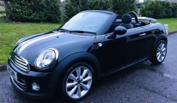 ONE LUCKY LADY IS GOING TO LOVE THIS BIRTHDAY PRESSIE!!   2012 Mini Cooper Roadster Automatic in Black with Sat Nav & Heated Leather Seats