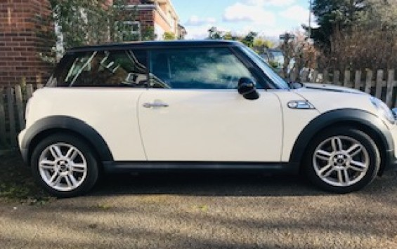 2010 / 60 Mini Cooper Automatic With Chili Pack & High Spec