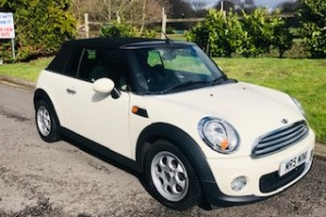 2012 / 62 MINI Cooper Convertible in Pepper White with just 33K miles